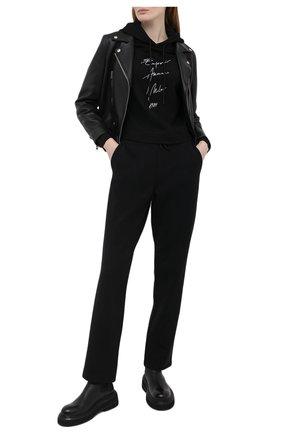 Женские хлопковые брюки EMPORIO ARMANI черного цвета, арт. 3K2P8T/2JRCZ   Фото 2
