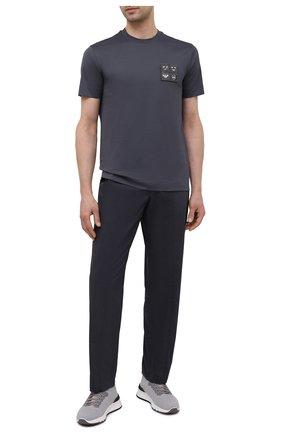 Мужские брюки EMPORIO ARMANI темно-синего цвета, арт. A1P740/A1066 | Фото 2 (Материал внешний: Хлопок, Синтетический материал; Длина (брюки, джинсы): Стандартные; Случай: Повседневный; Стили: Кэжуэл)