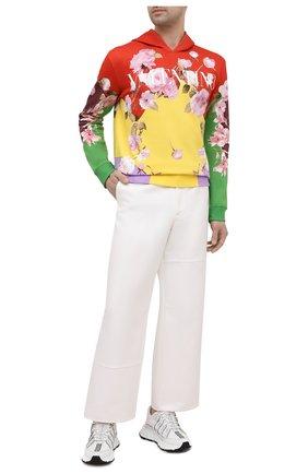 Мужской хлопковое худи VALENTINO разноцветного цвета, арт. VV0MF18E7EM | Фото 2 (Рукава: Длинные; Материал внешний: Хлопок; Длина (для топов): Стандартные; Стили: Гранж; Мужское Кросс-КТ: Худи-одежда; Принт: С принтом)