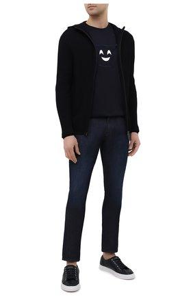 Мужской хлопковый кардиган EMPORIO ARMANI темно-синего цвета, арт. 3K1MXG/1MLZZ | Фото 2 (Материал внешний: Хлопок; Длина (для топов): Стандартные; Рукава: Длинные; Мужское Кросс-КТ: Кардиган-одежда; Стили: Кэжуэл)