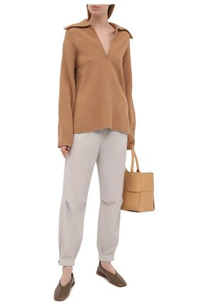 Женские брюки GIORGIO ARMANI светло-серого цвета, арт. 1SHPP0GJ/T02AW | Фото 2