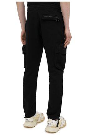 Мужские хлопковые брюки-карго OFF-WHITE черного цвета, арт. 0MCH036S21FLE001   Фото 4 (Силуэт М (брюки): Карго; Мужское Кросс-КТ: Брюки-трикотаж; Длина (брюки, джинсы): Стандартные; Случай: Повседневный; Стили: Гранж; Материал внешний: Хлопок)