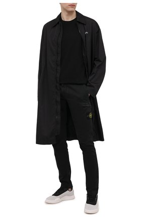 Мужские хлопковые брюки-карго STONE ISLAND черного цвета, арт. 741532104 | Фото 2