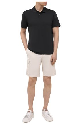 Мужское хлопковое поло JAMES PERSE темно-серого цвета, арт. MELJ3293 | Фото 2 (Застежка: Пуговицы; Стили: Кэжуэл; Кросс-КТ: Трикотаж; Длина (для топов): Стандартные; Рукава: Короткие; Материал внешний: Хлопок)