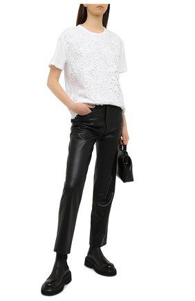 Женская хлопковая футболка VALENTINO белого цвета, арт. VB0MG12W6EF | Фото 2