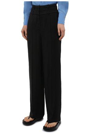 Женские брюки из вискозы REJINA PYO черного цвета, арт. E140/VISC0SE   Фото 3 (Длина (брюки, джинсы): Стандартные; Женское Кросс-КТ: Брюки-одежда; Силуэт Ж (брюки и джинсы): Прямые; Материал внешний: Вискоза; Стили: Кэжуэл)