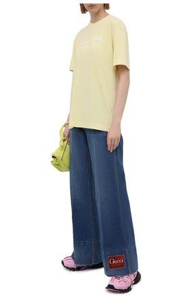 Женские джинсы GUCCI синего цвета, арт. 623441/XDA6N | Фото 2
