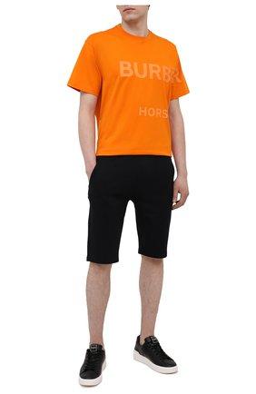 Мужские хлопковые шорты BALMAIN черного цвета, арт. VH00A003/B095   Фото 2 (Кросс-КТ: Трикотаж; Принт: Без принта; Длина Шорты М: Ниже колена; Материал внешний: Хлопок)