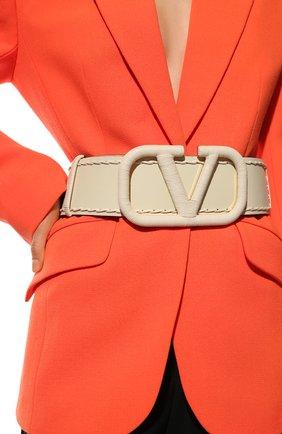 Женский кожаный ремень VALENTINO кремвого цвета, арт. VW2T0S10/HEW | Фото 2 (Материал: Кожа)