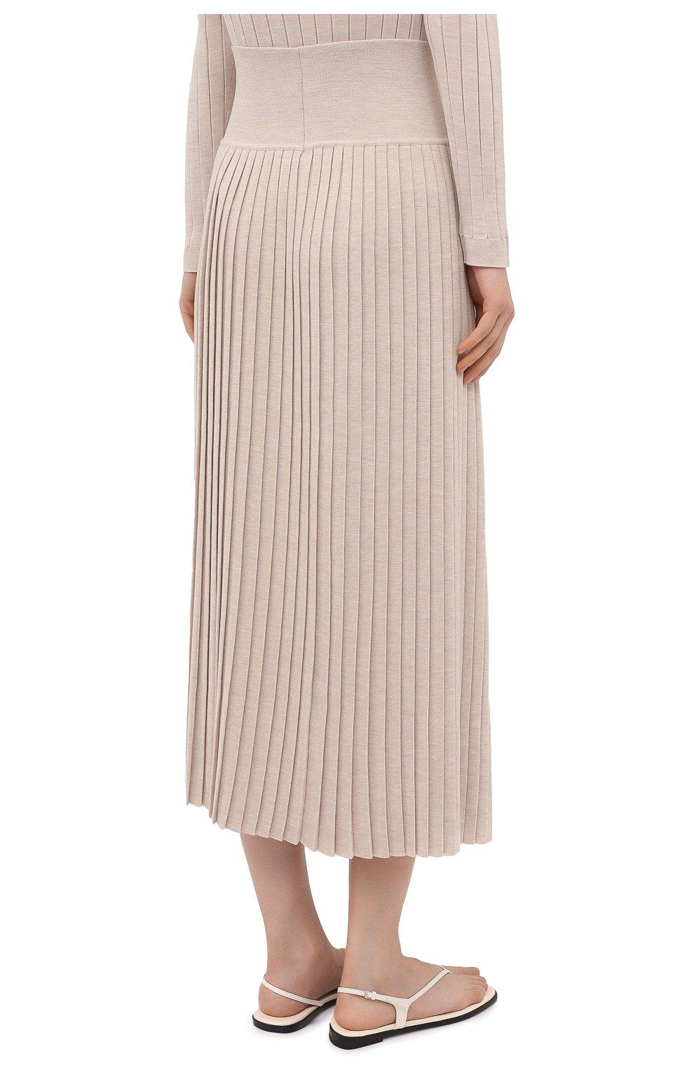 Женская юбка из шерсти и шелка THE ROW бежевого цвета, арт. 5678Y476 | Фото 4 (Материал внешний: Шерсть, Шелк; Женское Кросс-КТ: юбка-плиссе, Юбка-одежда; Кросс-КТ: Трикотаж; Длина Ж (юбки, платья, шорты): Макси; Стили: Кэжуэл)