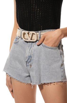 Женский кожаный ремень  VALENTINO кремвого цвета, арт. VW2T0S11/HEW | Фото 2 (Материал: Кожа)