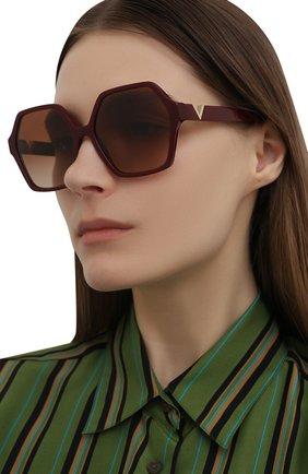 Женские солнцезащитные очки VALENTINO бордового цвета, арт. 4088-513913 | Фото 2 (Тип очков: С/з; Очки форма: Бабочка)