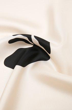 Женский шелковый платок OFF-WHITE черно-белого цвета, арт. 0WMA029S21FAB002   Фото 2