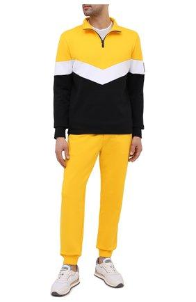 Мужские хлопковые джоггеры KNT желтого цвета, арт. UMM0120 | Фото 2 (Длина (брюки, джинсы): Стандартные; Материал внешний: Хлопок; Силуэт М (брюки): Джоггеры; Кросс-КТ: Спорт; Стили: Спорт-шик; Мужское Кросс-КТ: Брюки-трикотаж)