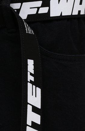 Мужские джинсовые шорты OFF-WHITE черного цвета, арт. 0MYC005S21DEN001   Фото 5 (Кросс-КТ: Деним; Длина Шорты М: Ниже колена; Стили: Гранж; Принт: С принтом; Материал внешний: Хлопок, Деним)