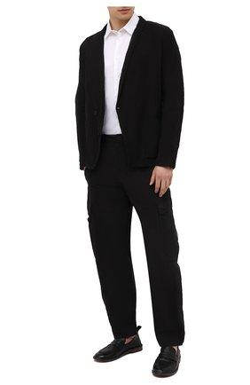 Мужские брюки-карго из хлопка и вискозы TRANSIT черного цвета, арт. CFUTRNE141 | Фото 2
