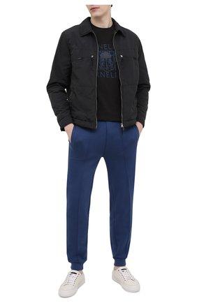 Мужские хлопковые джоггеры CORNELIANI синего цвета, арт. 87G585-1125060/00 | Фото 2 (Длина (брюки, джинсы): Стандартные; Материал внешний: Хлопок; Силуэт М (брюки): Джоггеры; Стили: Спорт-шик; Мужское Кросс-КТ: Брюки-трикотаж)