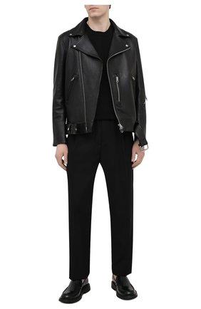 Мужские шерстяные брюки VERSACE черного цвета, арт. A88845/1F0737 | Фото 2 (Длина (брюки, джинсы): Стандартные; Материал внешний: Шерсть; Случай: Повседневный; Стили: Кэжуэл)