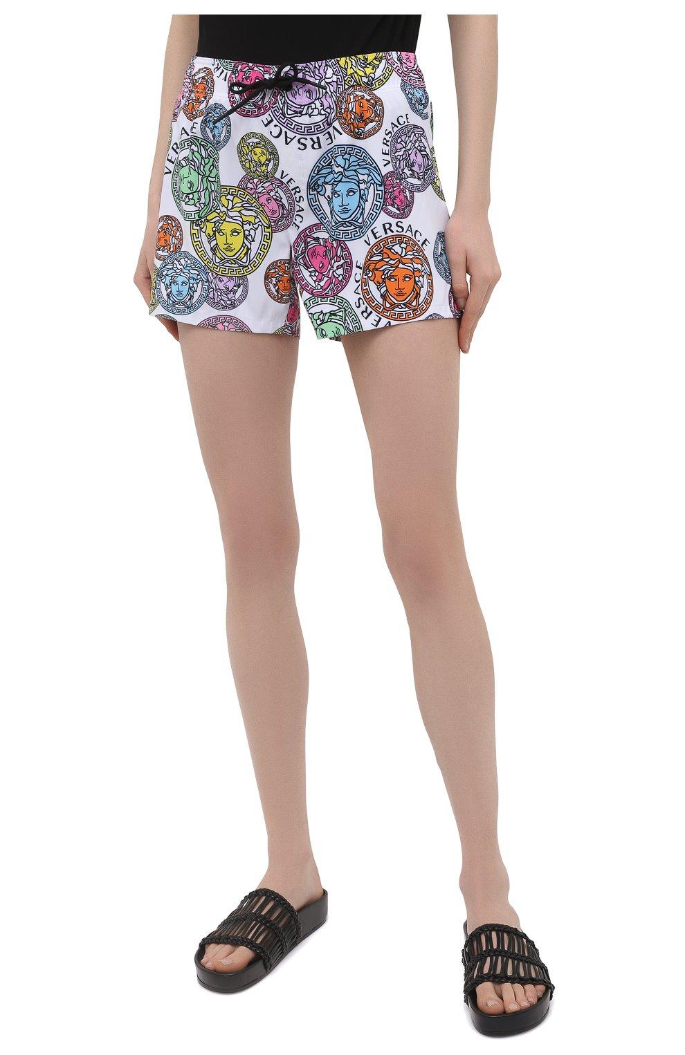 Женские шорты VERSACE разноцветного цвета, арт. ABD40006/1F00636 | Фото 3