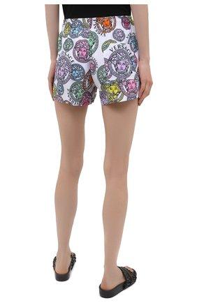 Женские шорты VERSACE разноцветного цвета, арт. ABD40006/1F00636 | Фото 4