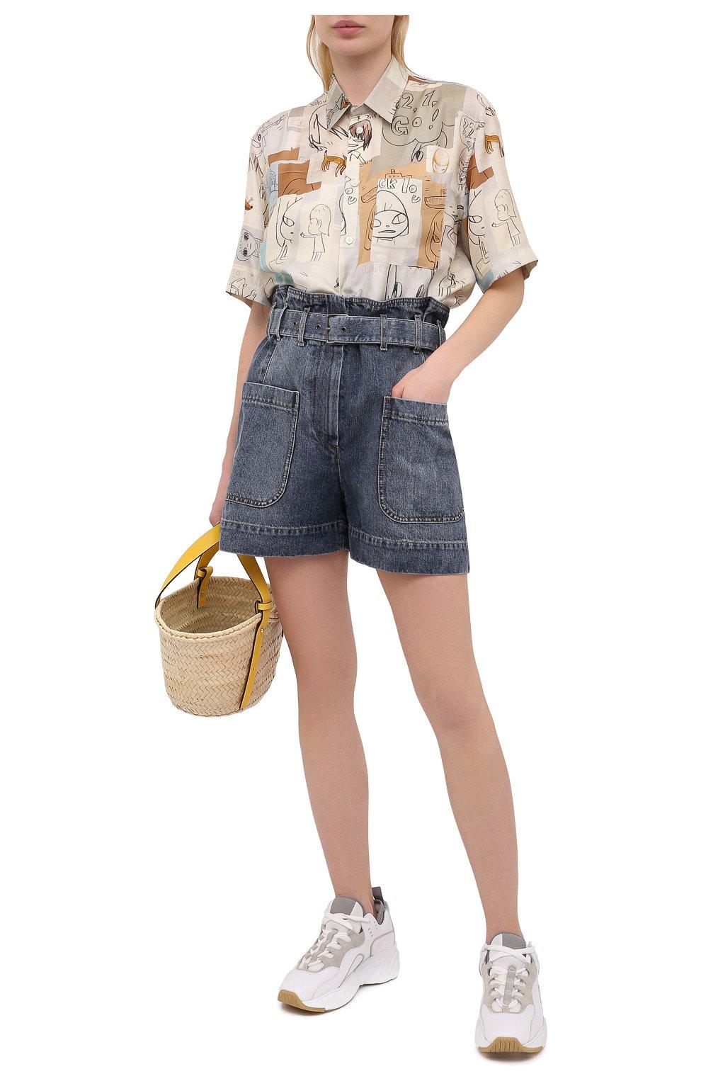Женские джинсовые шорты BRUNELLO CUCINELLI темно-синего цвета, арт. MA095P5651 | Фото 2 (Женское Кросс-КТ: Шорты-одежда; Кросс-КТ: Деним; Длина Ж (юбки, платья, шорты): Мини; Стили: Гранж; Материал внешний: Хлопок)