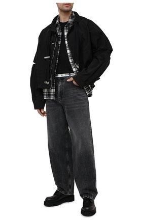 Мужские джинсы BALENCIAGA темно-серого цвета, арт. 657615/TBP47   Фото 2 (Длина (брюки, джинсы): Стандартные; Материал внешний: Хлопок, Деним; Силуэт М (брюки): Широкие)