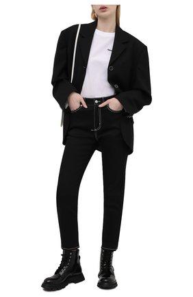 Женские джинсы ALEXANDER MCQUEEN черного цвета, арт. 658059/QMAAR | Фото 2 (Материал внешний: Хлопок; Длина (брюки, джинсы): Стандартные; Силуэт Ж (брюки и джинсы): Узкие; Кросс-КТ: Деним; Стили: Кэжуэл)