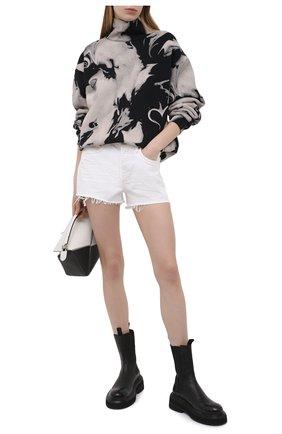 Женские джинсовые шорты AGOLDE белого цвета, арт. A026B-1183 | Фото 2