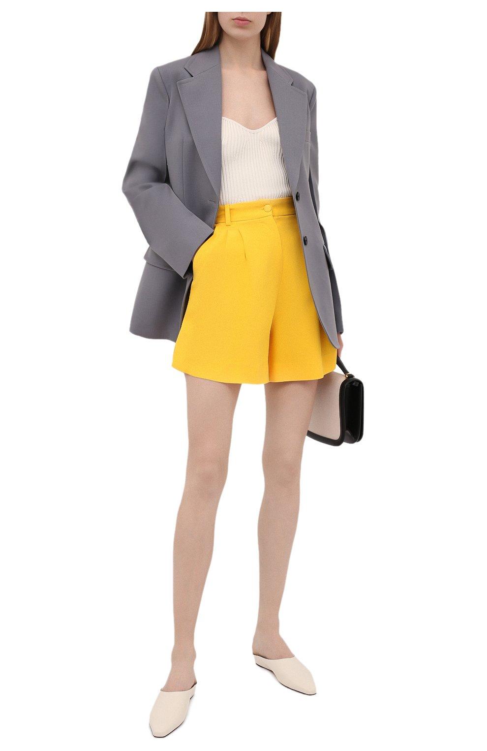Женские шорты DOLCE & GABBANA желтого цвета, арт. FTB12T/FURDV | Фото 2 (Женское Кросс-КТ: Шорты-одежда; Стили: Гламурный; Длина Ж (юбки, платья, шорты): Мини; Материал внешний: Синтетический материал, Вискоза)