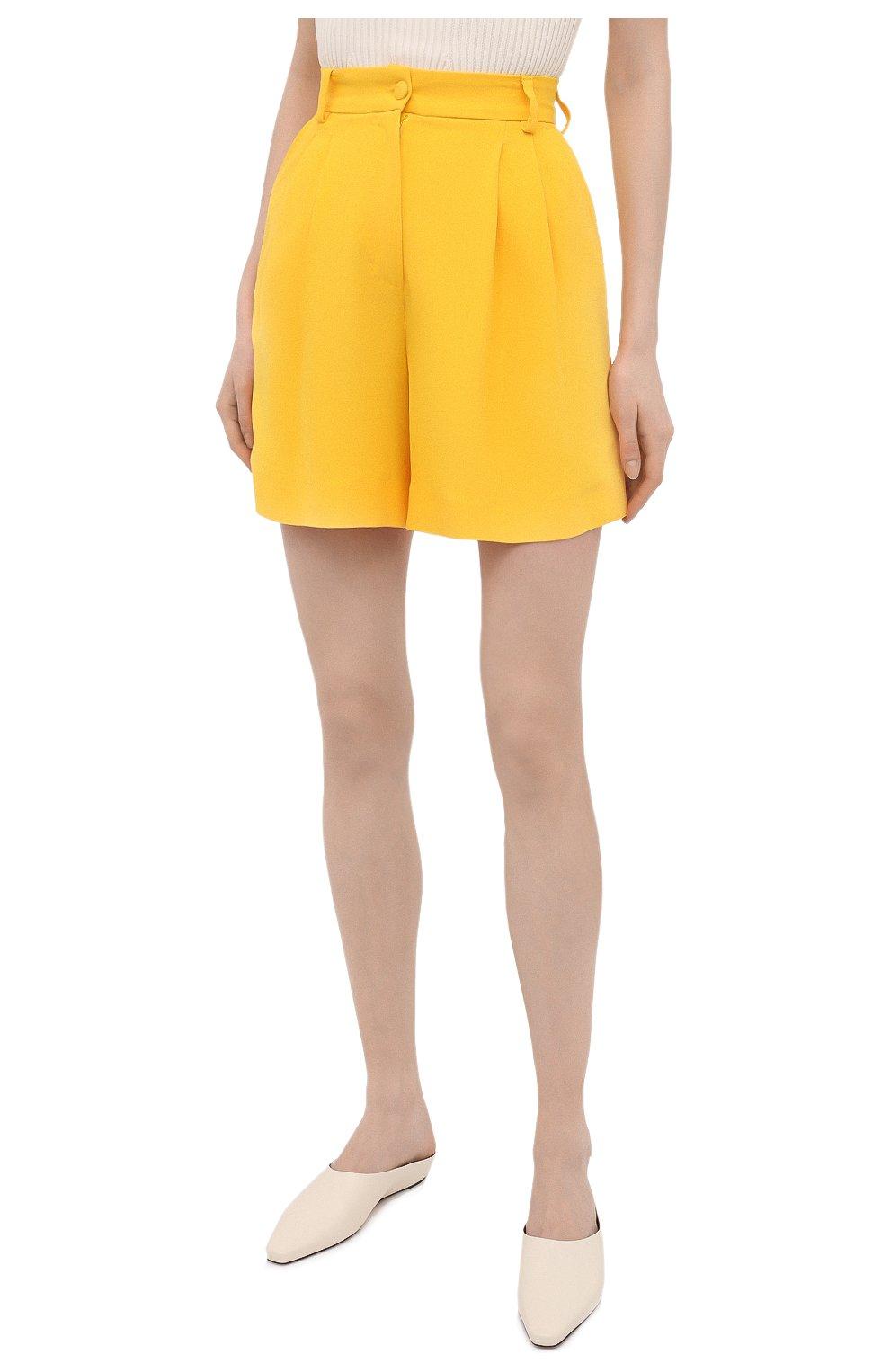 Женские шорты DOLCE & GABBANA желтого цвета, арт. FTB12T/FURDV | Фото 3 (Женское Кросс-КТ: Шорты-одежда; Стили: Гламурный; Длина Ж (юбки, платья, шорты): Мини; Материал внешний: Синтетический материал, Вискоза)
