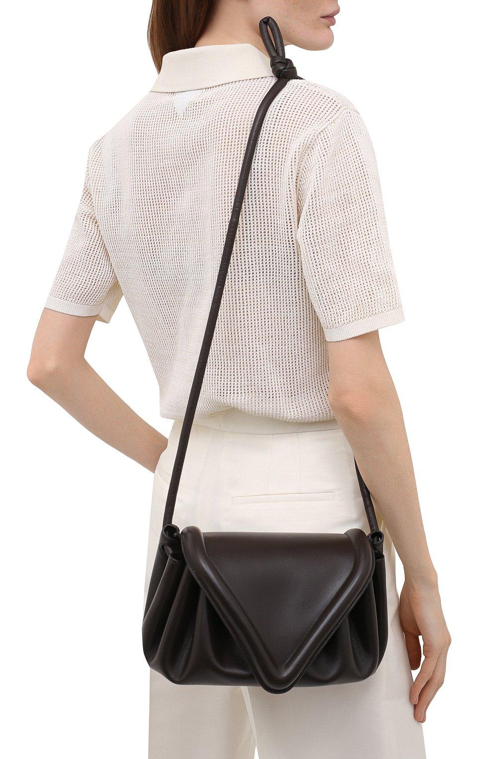 Женская сумка beak medium BOTTEGA VENETA темно-коричневого цвета, арт. 658523/VCP30   Фото 2 (Сумки-технические: Сумки через плечо; Размер: medium; Материал: Натуральная кожа)