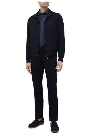 Мужская хлопковая рубашка CORNELIANI темно-синего цвета, арт. 87P156-1111609/00 | Фото 2 (Рукава: Длинные; Длина (для топов): Стандартные; Материал внешний: Хлопок; Случай: Повседневный; Принт: Однотонные; Воротник: Акула; Стили: Кэжуэл; Рубашки М: Regular Fit; Манжеты: На пуговицах)