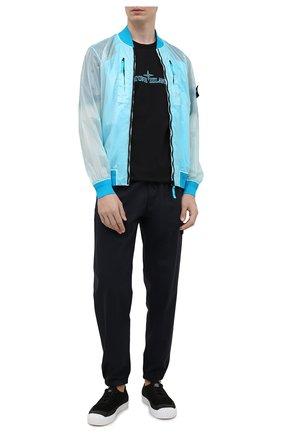 Мужской бомбер STONE ISLAND бирюзового цвета, арт. 741543134 | Фото 2 (Материал внешний: Синтетический материал; Материал подклада: Синтетический материал; Рукава: Длинные; Длина (верхняя одежда): Короткие; Принт: Без принта; Кросс-КТ: Куртка; Стили: Гранж)