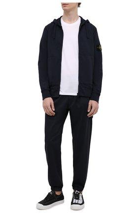Мужские джоггеры из хлопка и шерсти STONE ISLAND темно-синего цвета, арт. 7415317F2 | Фото 2 (Материал внешний: Хлопок; Длина (брюки, джинсы): Стандартные; Силуэт М (брюки): Джоггеры; Стили: Спорт-шик)