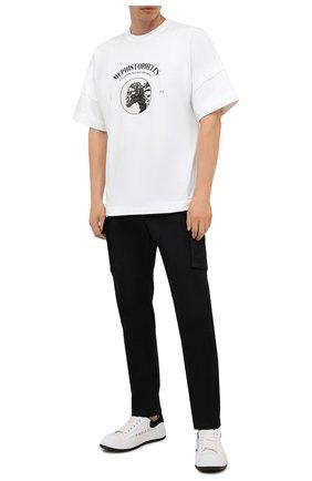 Мужская хлопковая футболка TEE LIBRARY белого цвета, арт. TSK-LS-31 | Фото 2 (Материал внешний: Хлопок; Стили: Гранж; Принт: С принтом; Длина (для топов): Стандартные; Рукава: Короткие)