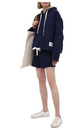 Женские хлопковые шорты JIL SANDER темно-синего цвета, арт. JPPS707521-WS248908A | Фото 2 (Женское Кросс-КТ: Шорты-одежда; Материал внешний: Хлопок; Стили: Спорт-шик; Длина Ж (юбки, платья, шорты): Мини)