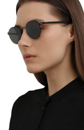 Женские солнцезащитные очки MYKITA черного цвета, арт. CARL0/BLACK/WHITE/MIRR0R BLACK 363 | Фото 2 (Тип очков: С/з; Оптика Гендер: оптика-унисекс; Очки форма: Круглые)