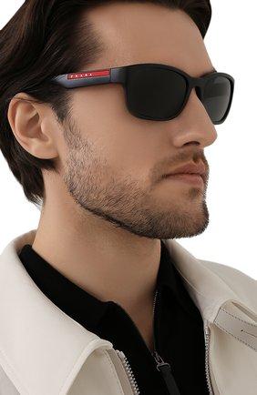 Мужские солнцезащитные очки PRADA LINEA ROSSA черного цвета, арт. 05VS-1B05S0 | Фото 2