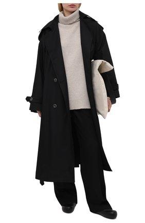 Женский тренч LESYANEBO черного цвета, арт. SS21/Н-465_1 | Фото 2 (Длина (верхняя одежда): Длинные; Рукава: Длинные; Материал внешний: Синтетический материал, Хлопок; Стили: Кэжуэл)