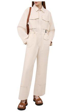 Женский хлопковый комбинезон JIL SANDER бежевого цвета, арт. JPPS320005-WS242600 | Фото 2 (Материал внешний: Хлопок; Рукава: Длинные; Случай: Повседневный; Стили: Кэжуэл; Женское Кросс-КТ: Комбинезон-одежда; Длина (брюки, джинсы): Стандартные)