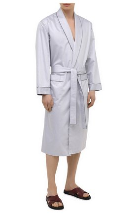 Мужской хлопковый халат ZIMMERLI светло-серого цвета, арт. 4737-75141 | Фото 2 (Рукава: Длинные; Материал внешний: Хлопок; Длина (верхняя одежда): Длинные; Кросс-КТ: домашняя одежда)
