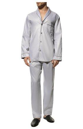Мужская хлопковая пижама ZIMMERLI светло-серого цвета, арт. 4737-75016 | Фото 2 (Рукава: Длинные; Длина (для топов): Стандартные; Материал внешний: Хлопок; Кросс-КТ: домашняя одежда; Длина (брюки, джинсы): Укороченные)