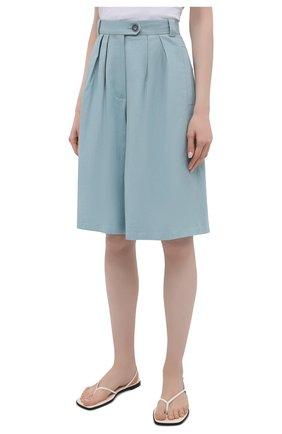 Женские шорты из льна и хлопка LESYANEBO бирюзового цвета, арт. SS21/Н-469/L_1   Фото 3 (Женское Кросс-КТ: Шорты-одежда; Кросс-КТ: Широкие; Материал внешний: Хлопок, Лен; Длина Ж (юбки, платья, шорты): До колена; Стили: Романтичный)