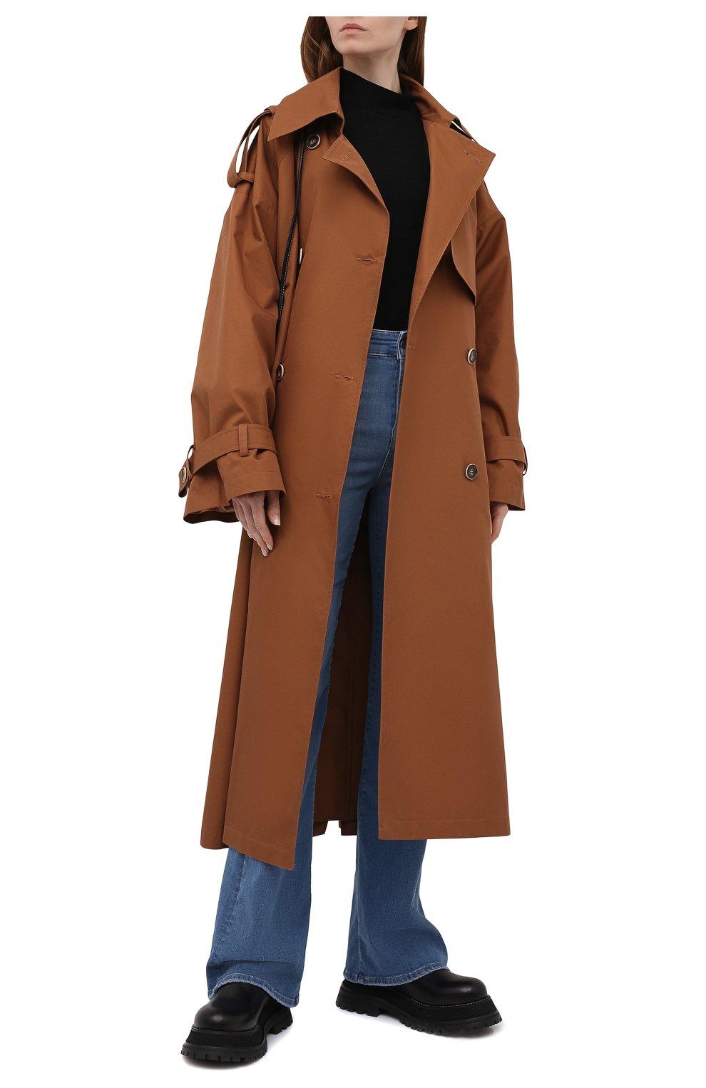 Женский двубортный тренч LESYANEBO коричневого цвета, арт. SS21/Н-465_9 | Фото 2 (Рукава: Длинные; Материал внешний: Синтетический материал, Хлопок; Длина (верхняя одежда): Длинные; Стили: Кэжуэл)