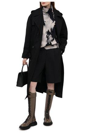 Женские кожаные сапоги ALEXANDER MCQUEEN хаки цвета, арт. 595466/WHZ81 | Фото 2 (Материал внутренний: Натуральная кожа; Подошва: Платформа; Каблук тип: Устойчивый; Высота голенища: Средние; Каблук высота: Низкий)