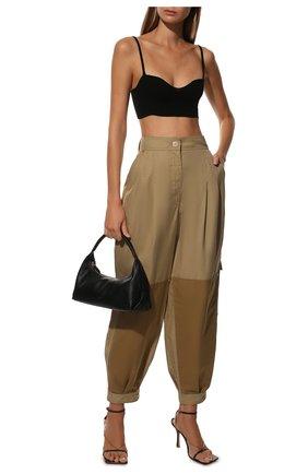 Женские хлопковые брюки LOEWE бежевого цвета, арт. S540Y04X33 | Фото 2 (Длина (брюки, джинсы): Стандартные; Стили: Кэжуэл; Материал внешний: Хлопок; Женское Кросс-КТ: Брюки-одежда; Силуэт Ж (брюки и джинсы): Широкие)