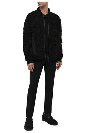 Мужской бомбер VALENTINO черного цвета, арт. VV0CII467ES | Фото 2 (Кросс-КТ: Куртка; Материал подклада: Синтетический материал; Рукава: Длинные; Материал внешний: Хлопок; Длина (верхняя одежда): Короткие; Стили: Кэжуэл; Принт: Без принта)