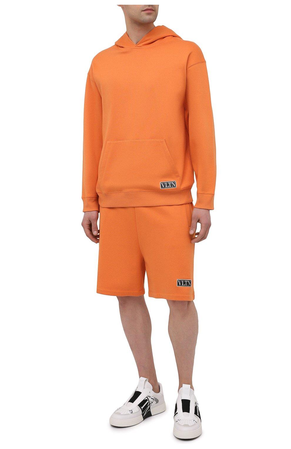 Мужской хлопковое худи VALENTINO оранжевого цвета, арт. VV0MF18F7EY | Фото 2 (Рукава: Длинные; Принт: Без принта; Длина (для топов): Стандартные; Мужское Кросс-КТ: Худи-одежда; Материал внешний: Хлопок; Стили: Кэжуэл)