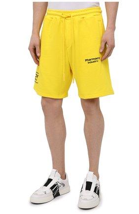 Мужские хлопковые шорты PHARMACY INDUSTRY желтого цвета, арт. PHM203 | Фото 3