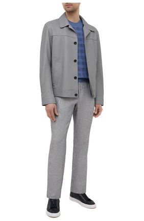 Мужские льняные брюки BRIONI серого цвета, арт. RPMJ0M/P6114/NEW JAMAICA   Фото 2 (Длина (брюки, джинсы): Стандартные; Случай: Повседневный; Материал внешний: Лен; Стили: Кэжуэл)